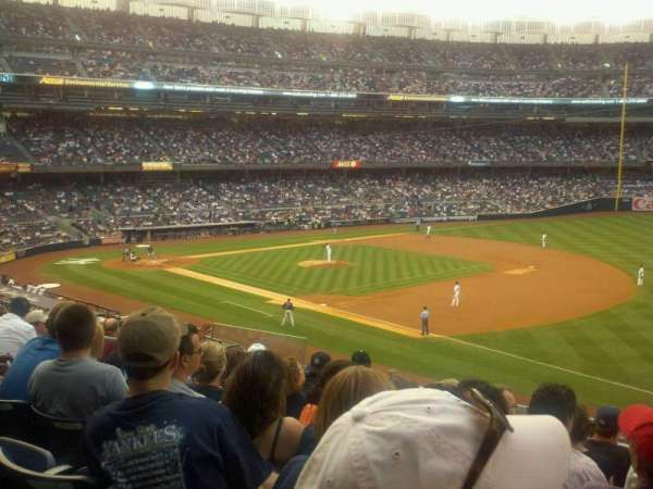 Yankee Stadium, section: 212, row: 8, seat: 15