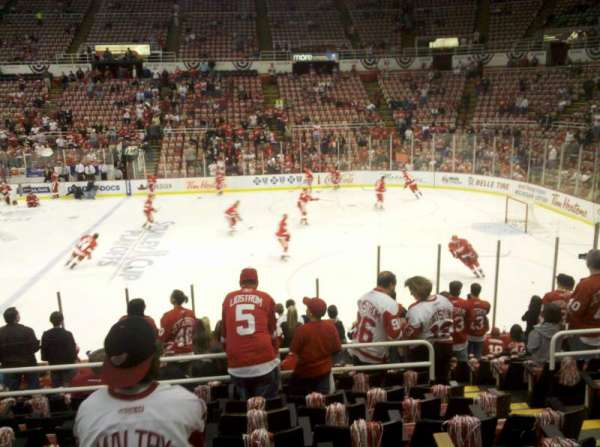 Joe Louis Arena, section: 106, row: 15, seat: 10