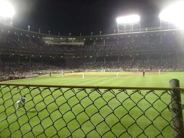 Wrigley Field, section: Rightfield Bleachers, row: 1