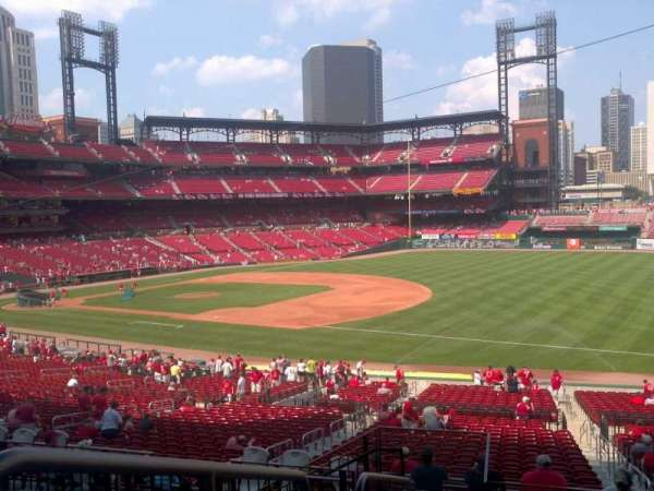 Busch Stadium, section: 137, row: 26, seat: 1