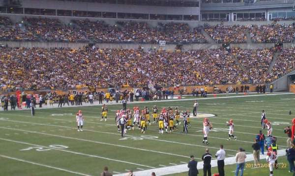 Heinz Field, section: 106, row: P, seat: 4