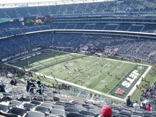 MetLife Stadium, section: 308, row: 22, seat: 13