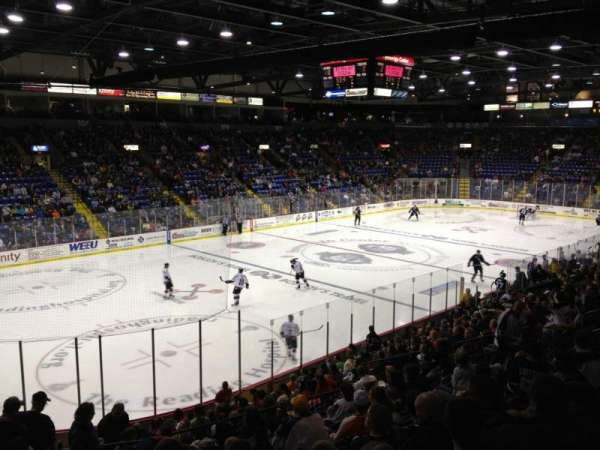 Santander Arena, section: 120, row: T