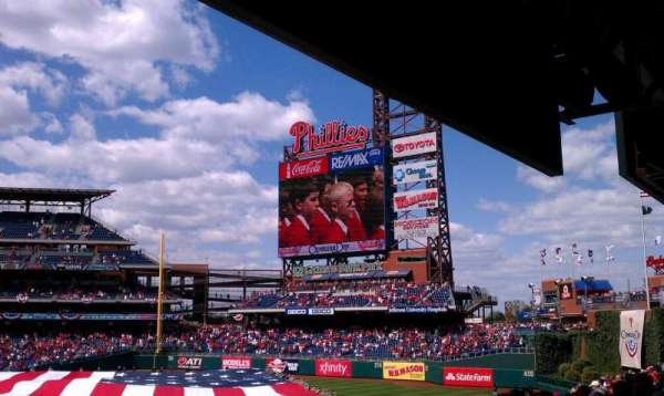 Citizens Bank Park, section: 106, row: 15, seat: 22
