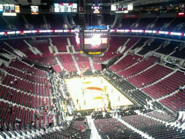 Moda Center, section: 328, row: H, seat: 8