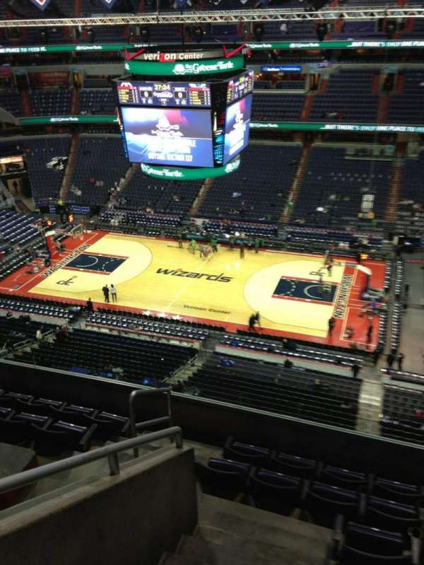 Capital One Arena, section: 419, row: G, seat: 1