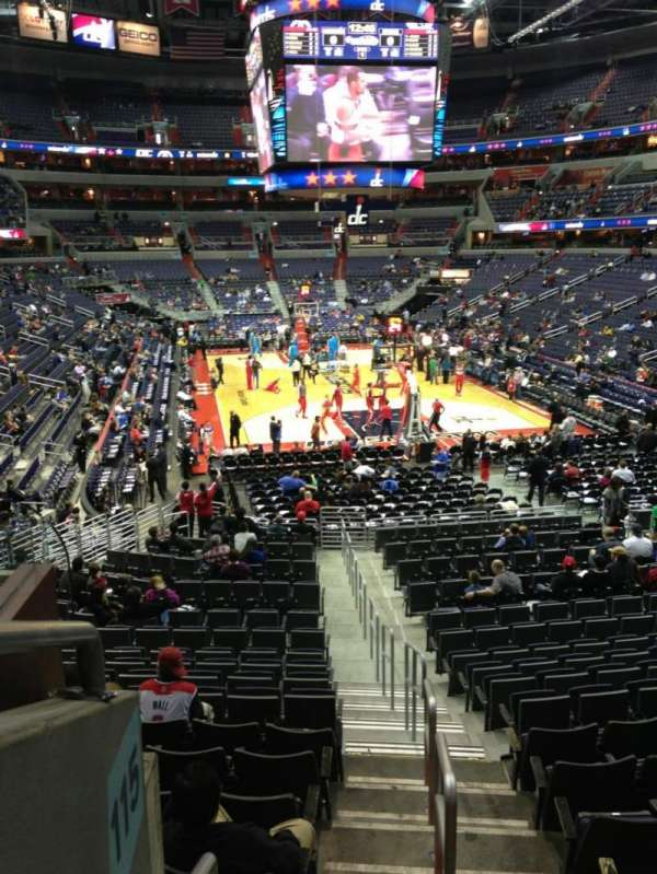 Capital One Arena, section: 115, row: R, seat: 20