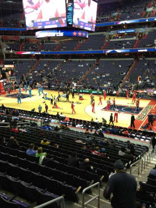 Capital One Arena, section: 112, row: R, seat: 20