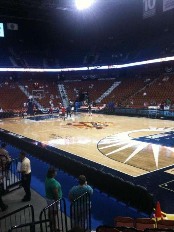 Mohegan sun Arena, section: 22, row: H, seat: 12