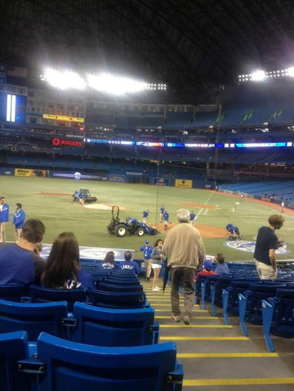 Rogers Centre, section: 124L, row: 25, seat: 101