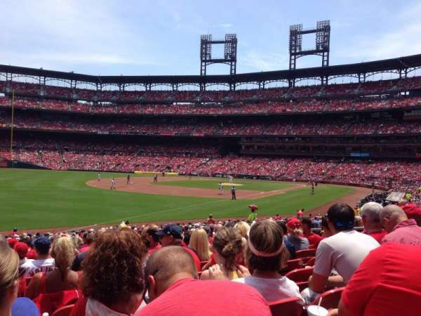 Busch Stadium, section: 165, row: 17, seat: 10