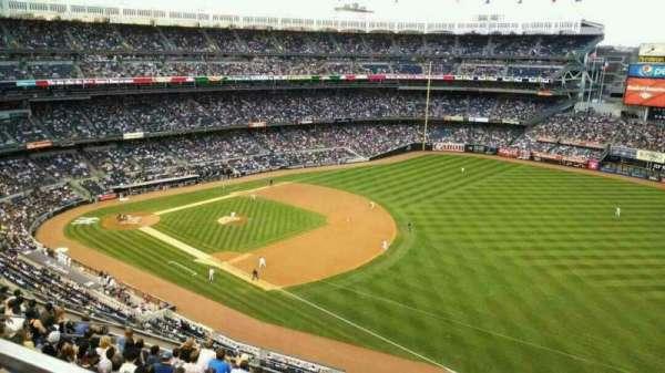 Yankee Stadium, section: 412, row: 3, seat: 9