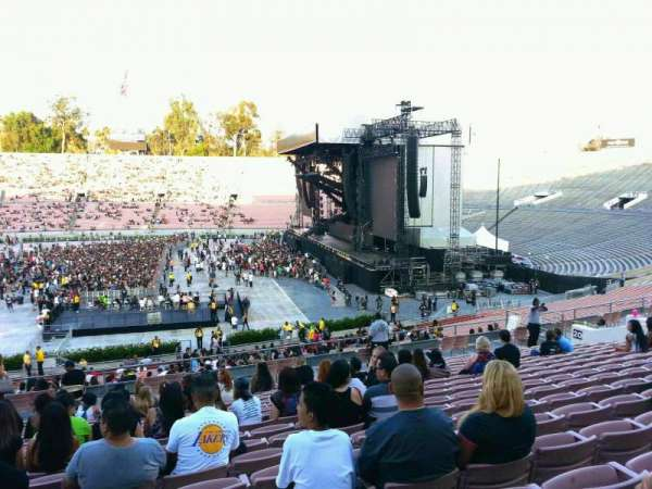 Rose Bowl, section: 19-H, row: 47