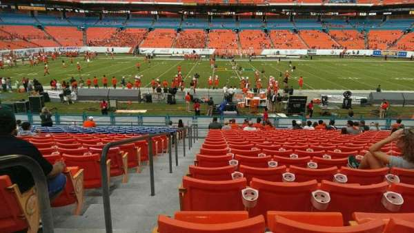 Hard Rock Stadium, section: 142, row: 19, seat: 23