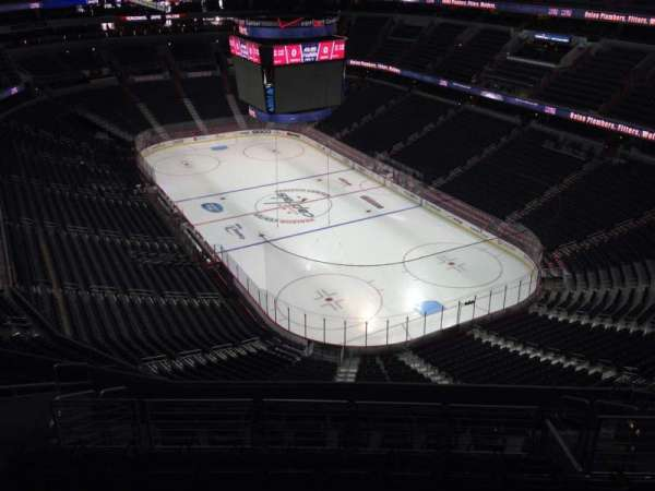 Capital One Arena, section: 406, row: M, seat: 11