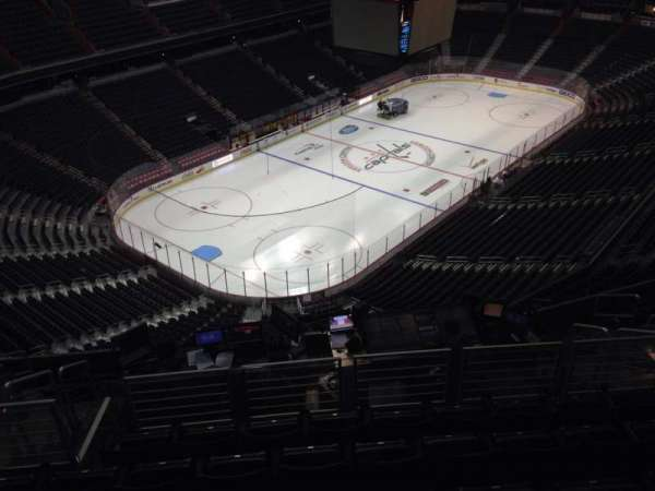 Capital One Arena, section: 412, row: L, seat: 10