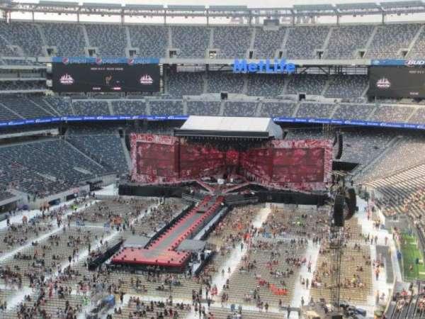 MetLife Stadium, section: 224B, row: 18