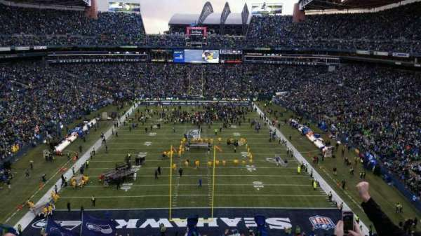 CenturyLink Field, section: 147, row: kk, seat: 28