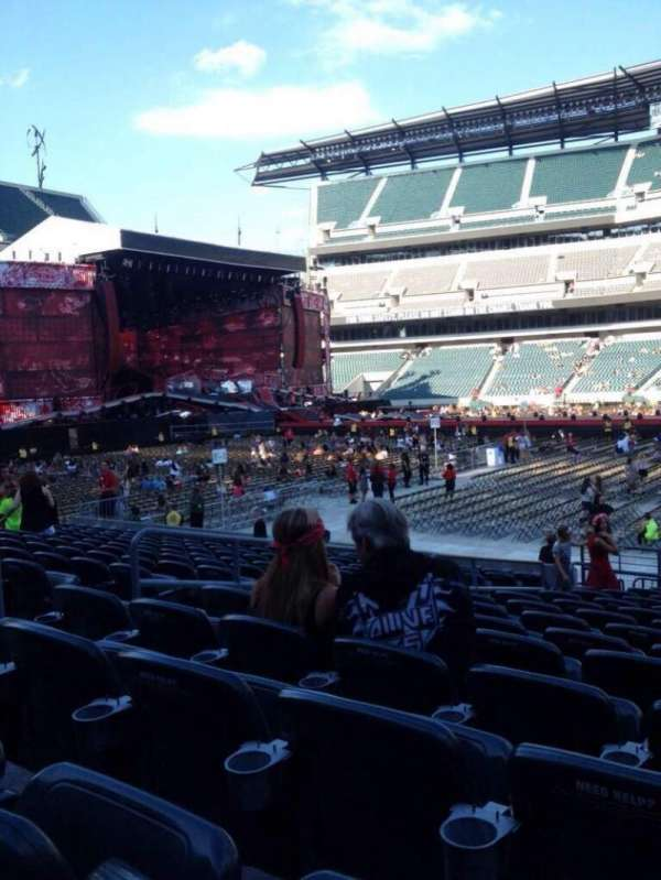 Lincoln Financial Field, section: 102, row: 14, seat: 18