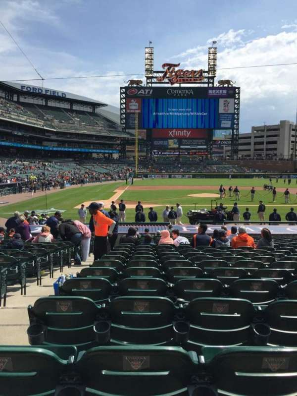 Comerica Park, section: 123, row: 25, seat: 9