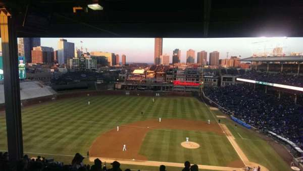Wrigley Field, section: 412L, row: 7, seat: 10