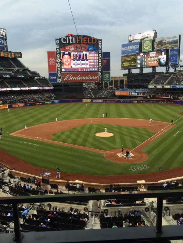 Citi Field, section: 321, row: 1, seat: 5