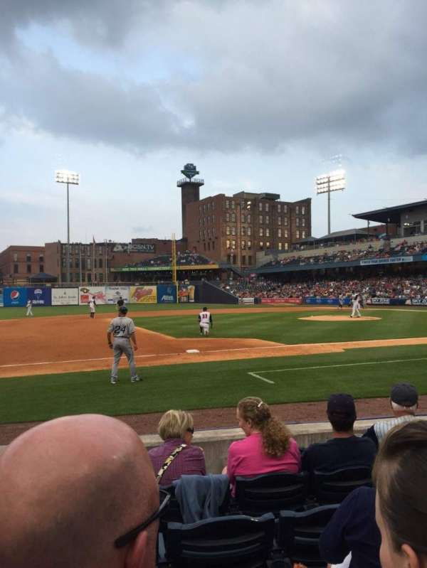 Fifth Third Field, section: 105, row: E