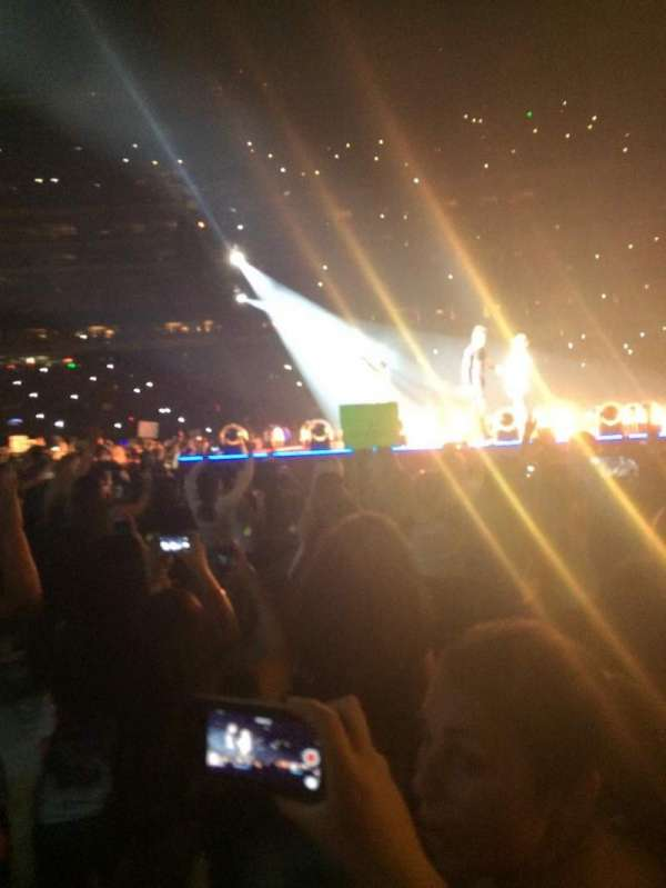 MetLife Stadium, section: 8, row: 26