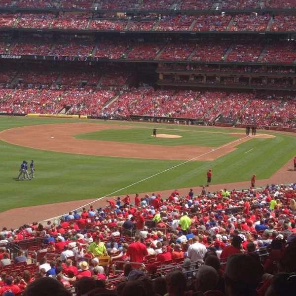 Busch Stadium, section: 167, row: 28, seat: 21