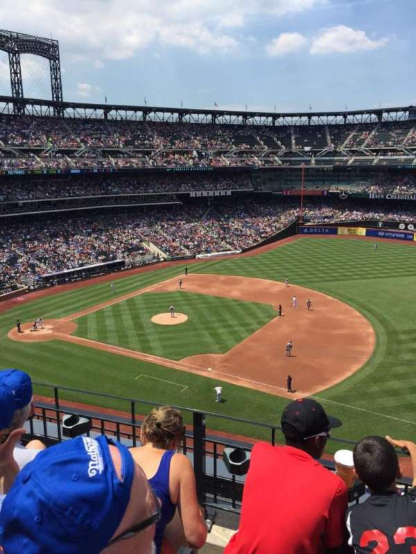 Citi Field, section: 405, row: 3, seat: 8