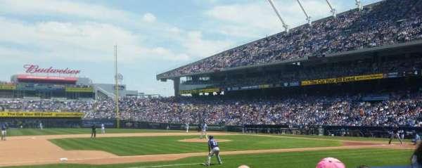 Kauffman Stadium, section: 119, row: e, seat: 5