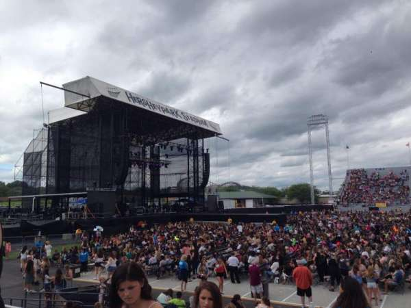 Hershey Park Stadium, section: 7, row: DD, seat: 32-33