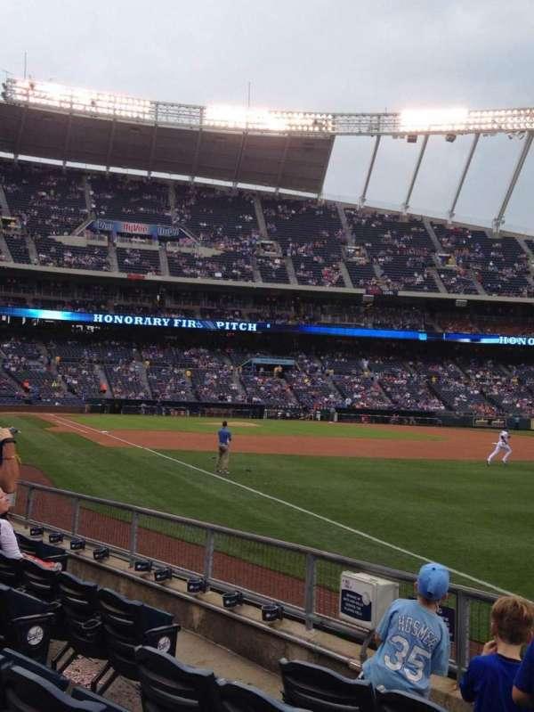 Kauffman Stadium, section: 144, row: H, seat: 6
