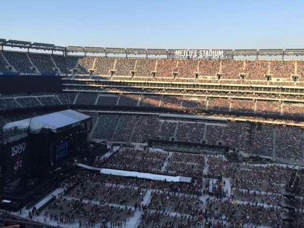 MetLife Stadium, section: 338, row: 8, seat: 1