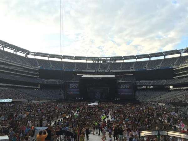 MetLife Stadium, section: 124, row: 12, seat: 17