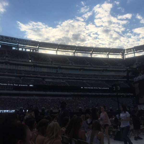 MetLife Stadium, section: 8, row: 3, seat: 10