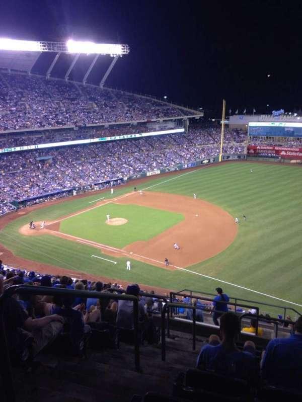 Kauffman Stadium, section: 435, row: JJ, seat: 1