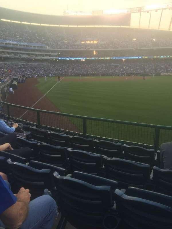 Kauffman Stadium, section: 148, row: N, seat: 13