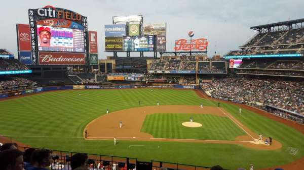 Citi Field, section: 326, row: 6, seat: 11