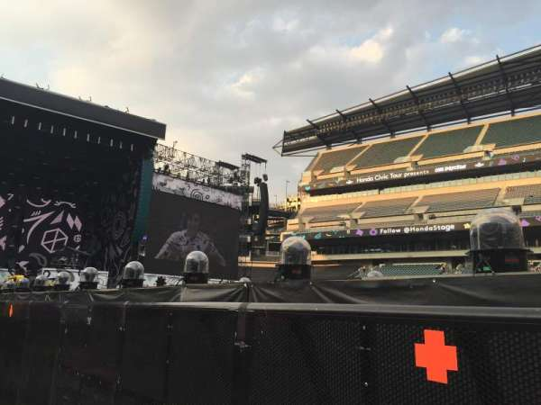 Lincoln Financial Field, section: F9, row: 3, seat: 1