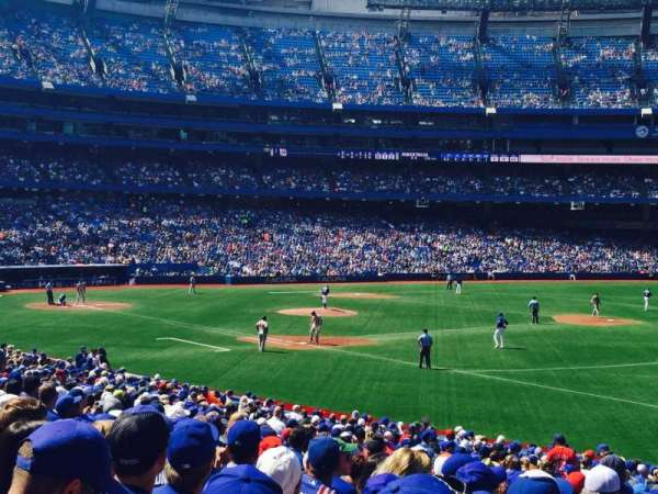 Rogers Centre, section: 113AR, row: 30, seat: 10,11,12