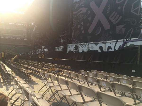 Lincoln Financial Field, section: F6, row: 6, seat: 10