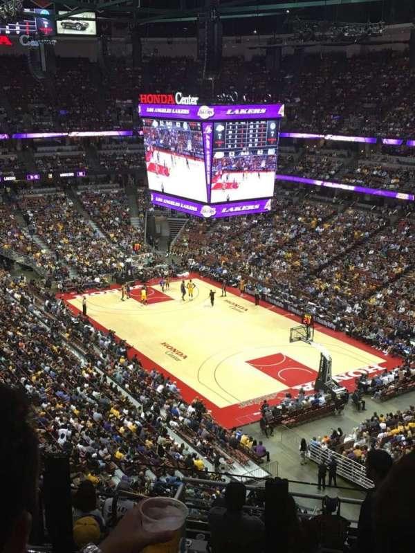 Honda Center, section: 427, row: K, seat: 5