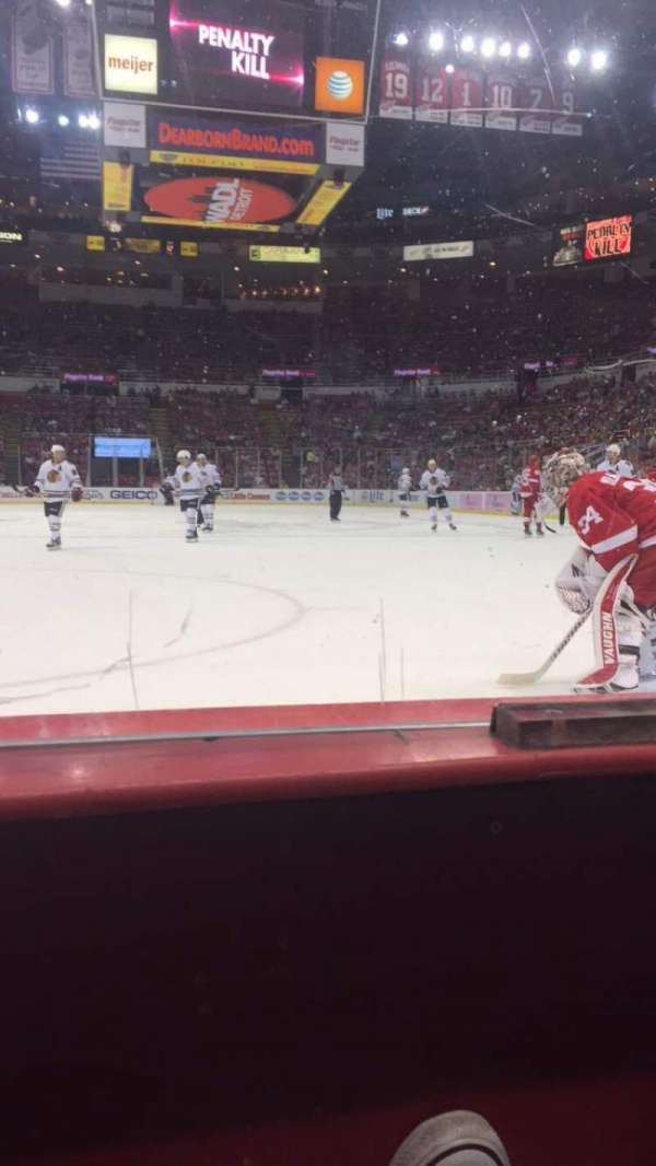 Joe Louis Arena, section: 101, row: 1, seat: 7