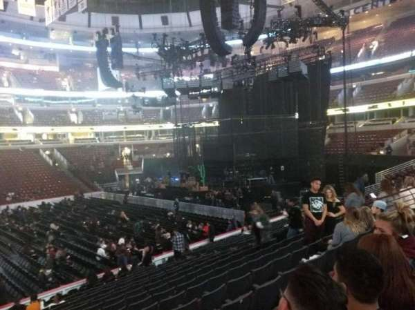 United Center, section: 122, row: 16, seat: 14