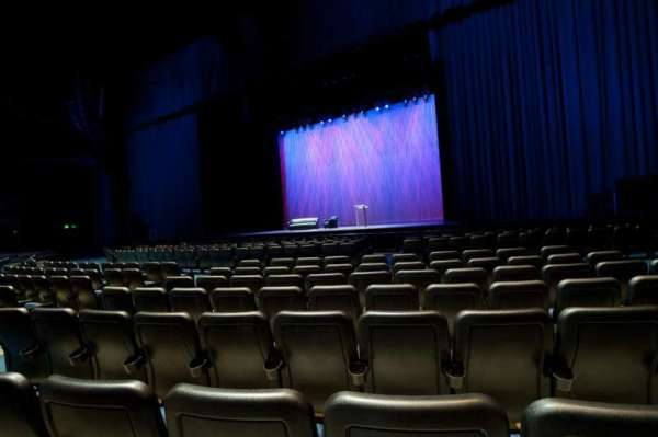 Microsoft Theater, section: Orchestra Center Right, row: F, seat: 213