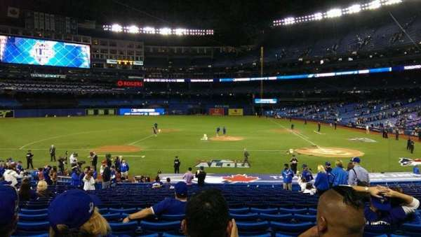 Rogers Centre, section: 125L, row: 28, seat: 107