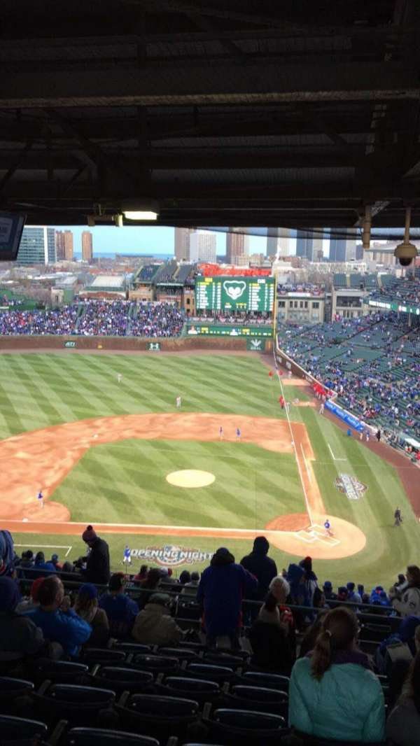 Wrigley Field, section: 413L, row: 9, seat: 9