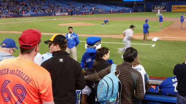 Rogers Centre, section: 116r, row: 7, seat: 3