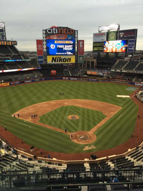 Citi Field, section: 515, row: 3, seat: 18